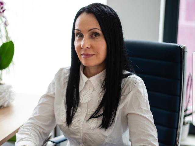 Аделина Димитрова за баланса между света на големите продажби и личния живот